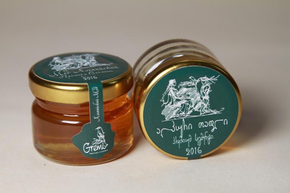 """კომპანია """"გრემი"""" ექსპორტზე ძვირადღირებული ქართული თაფლის გატანას გეგმავს"""